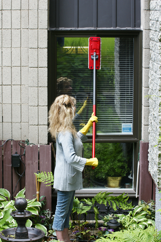 How to Clean Outside Windows without Removing Screens Maid Services