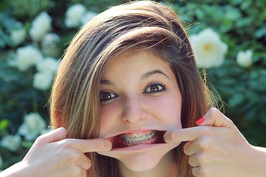 Midget pull all your teeth