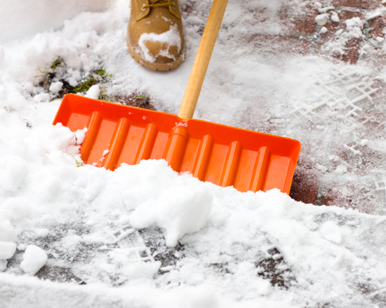 How to Prevent Snow from Sticking to Shovel - Snow Removal